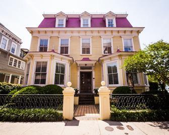 Barksdale House Inn - Charleston - Building