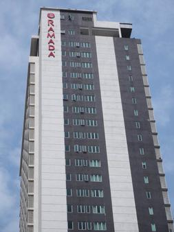 Ramada Suites by Wyndham Kuala Lumpur City Centre - Κουάλα Λουμπούρ - Κτίριο