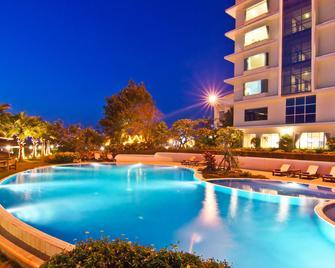 Champasak Grand Hotel - Pakse - Pool