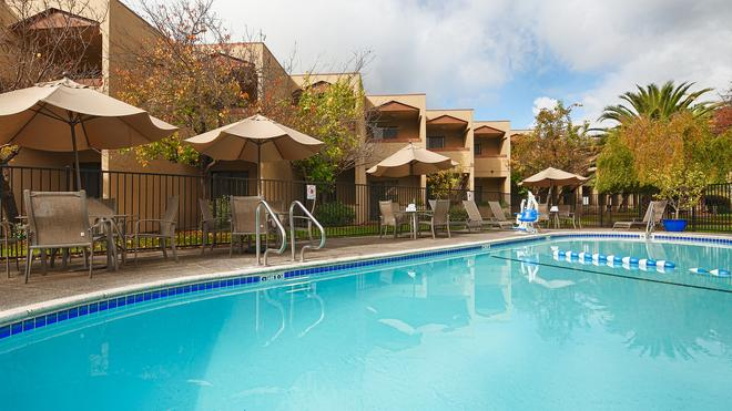 Best Western PLUS Wine Country Inn & Suites - Santa Rosa - Pool