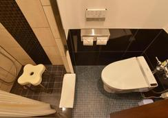 Okinawa Kariyushi Lch. Izumizaki Kenchomae - Naha - Phòng tắm