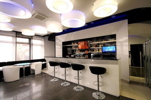 Hotel Grafit - Kostomłoty Pierwsze - Bar