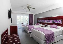 Hotel Riu Naiboa - Punta Cana - Habitación