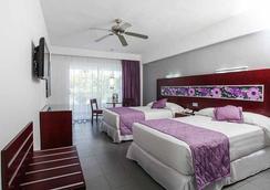 Riu Naiboa Hotel - Punta Cana - Bedroom