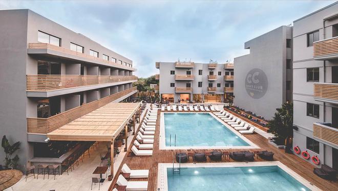 Z 俱樂部 - 新世代飯店 - Limenas Chersonisos - 游泳池