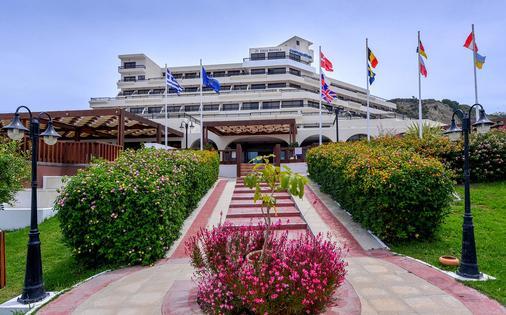 smartline Cosmopolitan Hotel - Ialysos - Building
