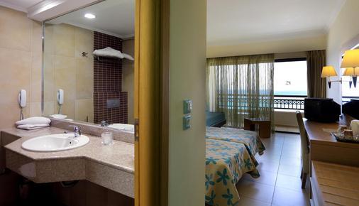 smartline Cosmopolitan Hotel - Ialysos - Bathroom