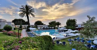 Smartline Cosmopolitan Hotel - Ialysos - Pool