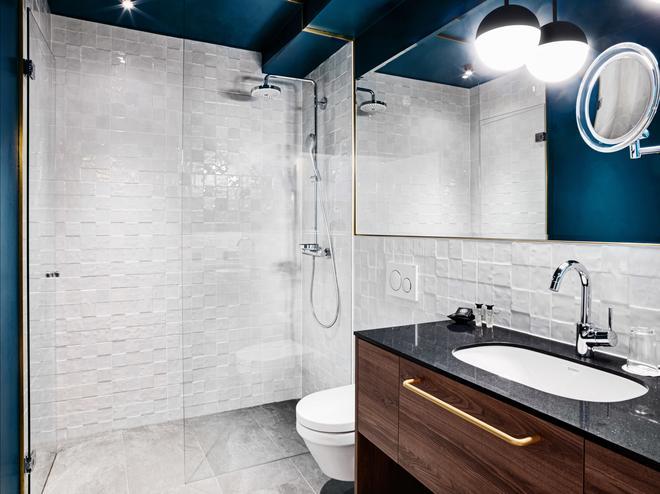 Stage 12 - Innsbruck - Bathroom