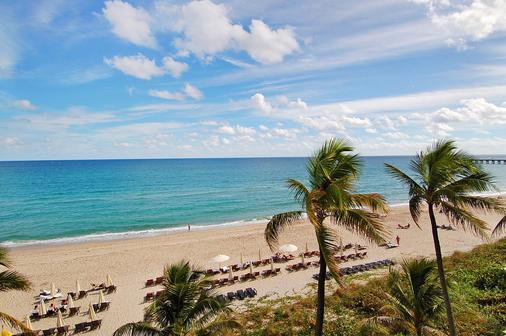 Tideline Ocean Resort and Spa - Палм-Бич - Пляж