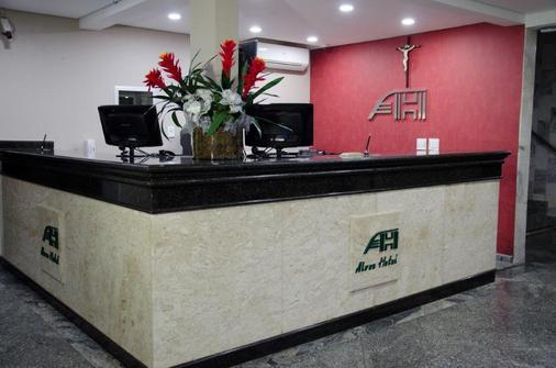Alves Hotel ltda - Marília - Front desk