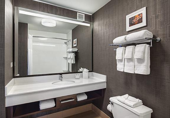Fairfield Inn & Suites by Marriott Chicago Downtown/Magnificent Mile - Chicago - Baño