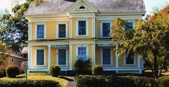 The Breakers Bed And Breakfast - Digby - Building