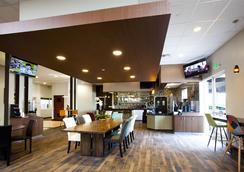 Redac Gateway Hotel In Torrance - Torrance - Nhà hàng
