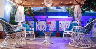 Hotel Tronco Inc - Boca Chica - Patio