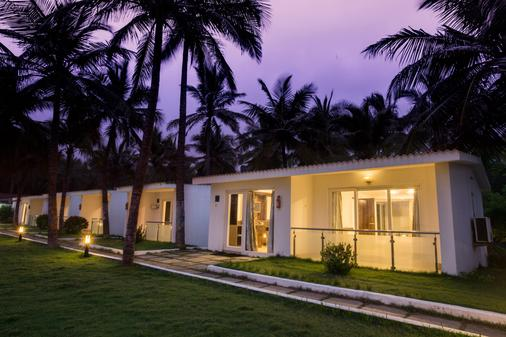 Shelter Beach Resort - Semmanjeri - Building