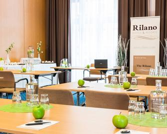 Rilano 24 7 Hotel Wolfenbüttel - Вольфенбюттель - Ресторан
