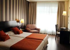 Hotel Conde Duque Bilbao - Bilbao - Bedroom