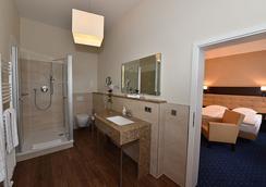凡豪斯沃勒旅館 - 史威林 - 什未林 - 浴室