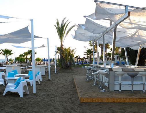 森提多沙灘酒店 - 皮拉 - 拉納卡 - 酒吧