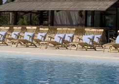 森提多沙灘酒店 - 皮拉 - 拉納卡 - 游泳池