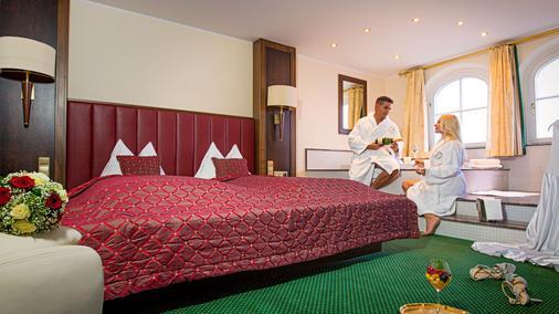 Hotel Restaurant Häupl - Seewalchen - Bedroom