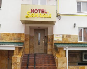 Hotel Sunrise - Chisinau - Building
