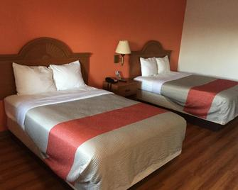 Fairbridge Inn Express North Lima - North Lima - Bedroom