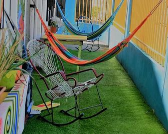 In The Wind Hostel And Guesthouse - San José - Servicio de la propiedad