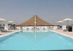 J5 Hotels - Port Saeed - Dubai - Bể bơi