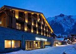 Héliopic Hôtel & Spa - Chamonix - Building