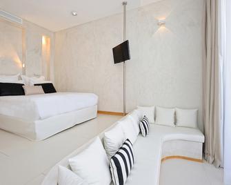 Hotel Cala di Greco - Bonifacio - Slaapkamer
