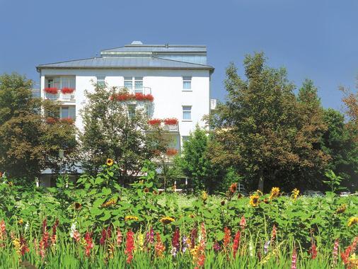 Johannesbad Hotel Phönix - Bad Fuessing - Outdoors view