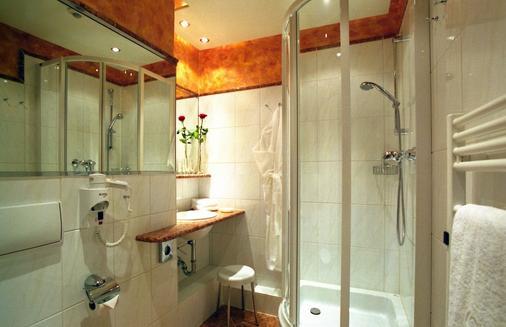 Johannesbad Thermalhotel Ludwig Thoma - Bad Fuessing - Bathroom