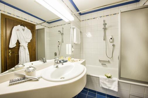 聖喬治約翰斯巴德酒店 - 巴德霍夫加斯坦 - 巴特霍夫加施泰因 - 浴室