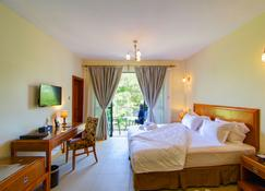 Lotos Inn & Suites, Nairobi - Nairobi - Bedroom