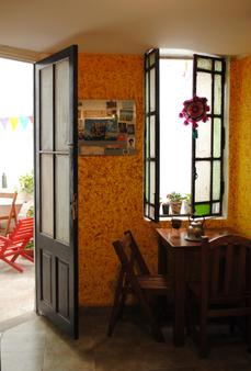 La Casa de Pandora Hostel & Cafe - Rosario - Kitchen