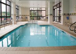 休斯敦廣場萬怡酒店 - 休士頓 - 休斯頓 - 游泳池