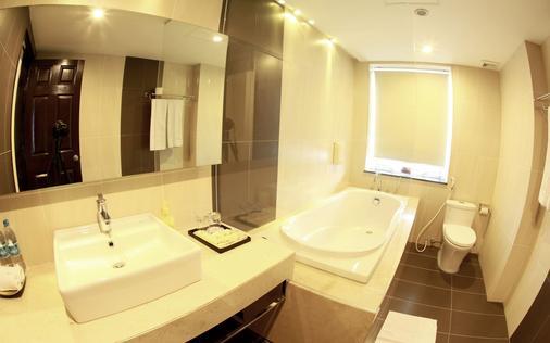 Anise Hotel - Hà Nội - Phòng tắm