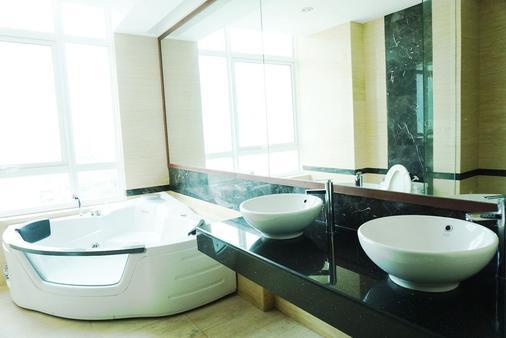 H 住宅飯店 - 檳城喬治市 - 浴室