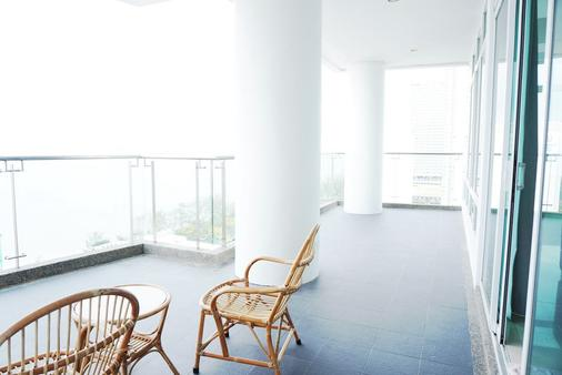 H Residence - George Town - Balcony