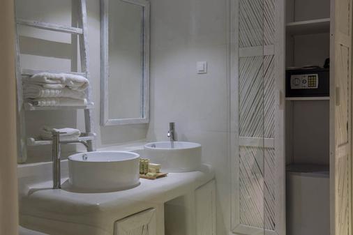 Three Shades Mykonos - Mykonos - Bathroom