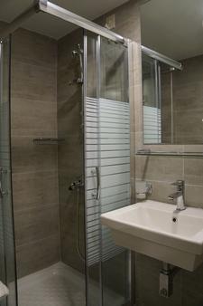 Piraeus Port Hotel - Πειραιάς - Μπάνιο