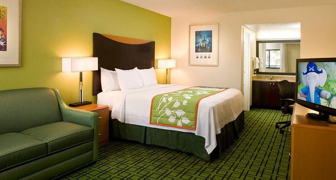 Fairfield Inn by Marriott Anaheim Resort - Anaheim - Makuuhuone