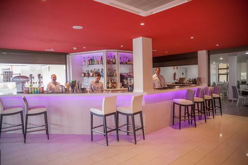 皇家日落海灘俱樂部渡假村 - 阿德杰 - 阿德耶 - 酒吧