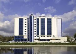 DoubleTree by Hilton Oradea - Oradea - Bygning
