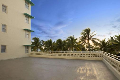 Broadmoor Miami Beach - Miami Beach - Balcony
