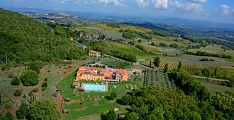Hotel Casolare Le Terre Rosse - סן ג'ימיניאנו - נוף חיצוני