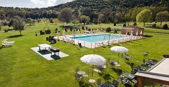 Hotel Casolare Le Terre Rosse - San Gimignano - Bể bơi