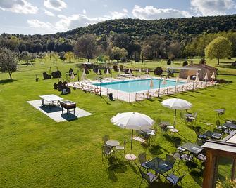 Hotel Casolare Le Terre Rosse - San Gimignano - Πισίνα
